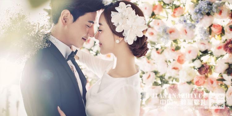 在教堂婚礼举办,新娘该选择什么样的着装?
