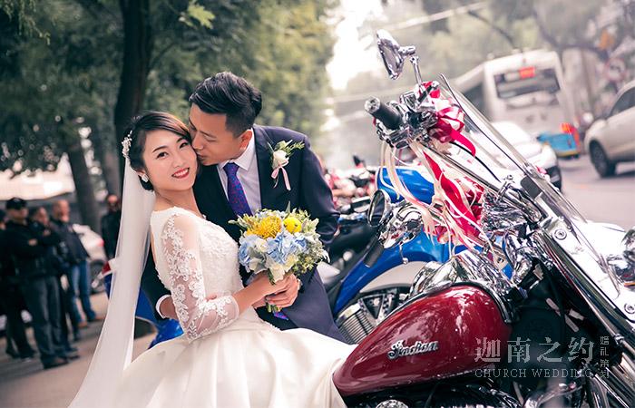 摩托车婚礼车队教堂主题婚礼