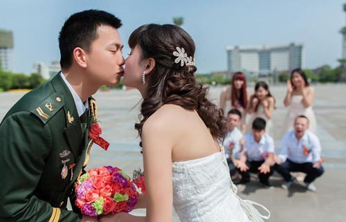 部队婚礼新郎领导致辞